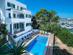 Villa mit Ferienvermietungslizenz und herrlichem Blick über den Yachthafen von Cala d'Or