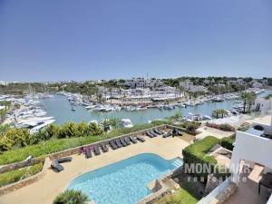 Luxuswohnung in erster Meereslinie am Yachthafen von Cala d'Or