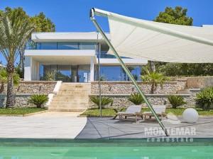 Porto Petro Moderne Villa mit direktem Meerzugang in exponierter Lage