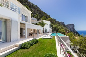 Luxusvilla in spektakulärer Lage von Puerto Andratx
