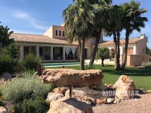 Großzügiges Landhaus bei Ses Salines mit großem Garten