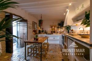 Alaro - Reizend renoviertes Stadthaus zum Kauf
