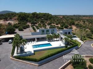 Luxus Villa mit Meerblick in der Cala Mandia