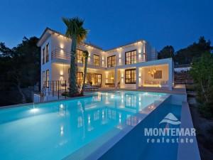 Port Andratx - Moderne Villa mit Panorama- und Teilmeerblick