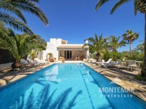 Villa mit Meerblick nahe Robinson Club Cala Serena