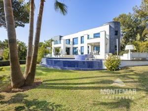 Cala Vinyes - Designervilla mit Meerblick