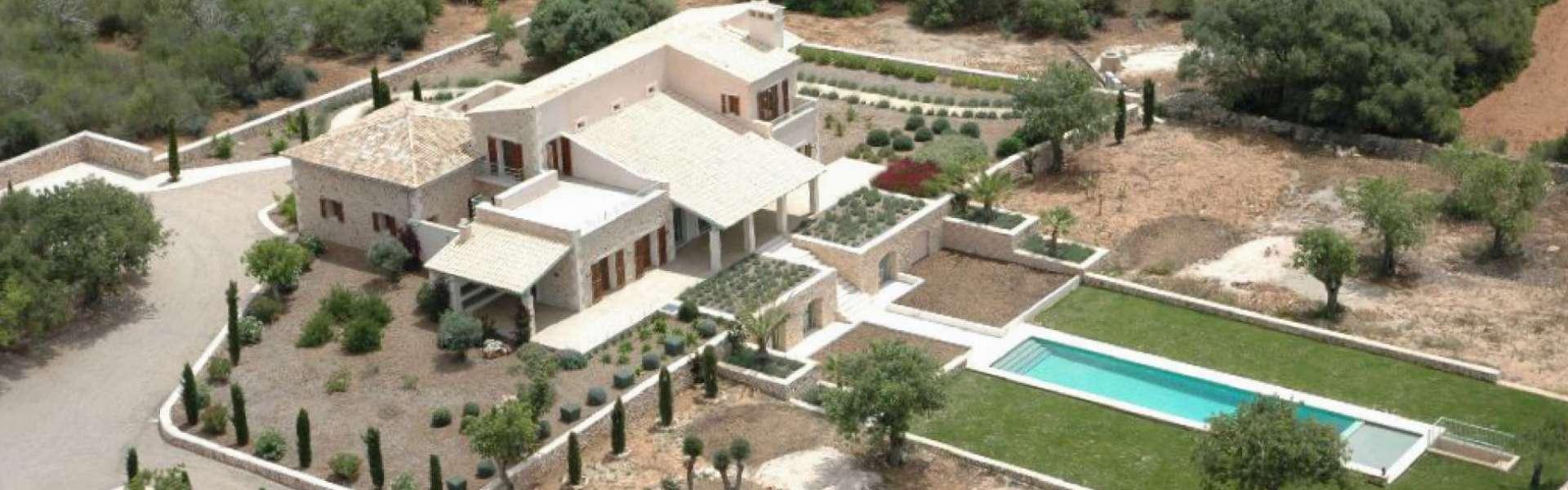 Realisiertes Bauvorhaben mit Panoramablick bei Santanyi