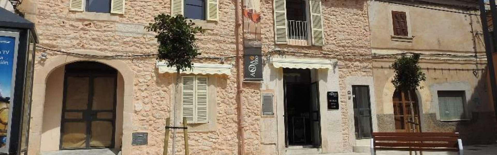 Geschäftslokal mit separater Wohnung in Top-Lage von Santanyi