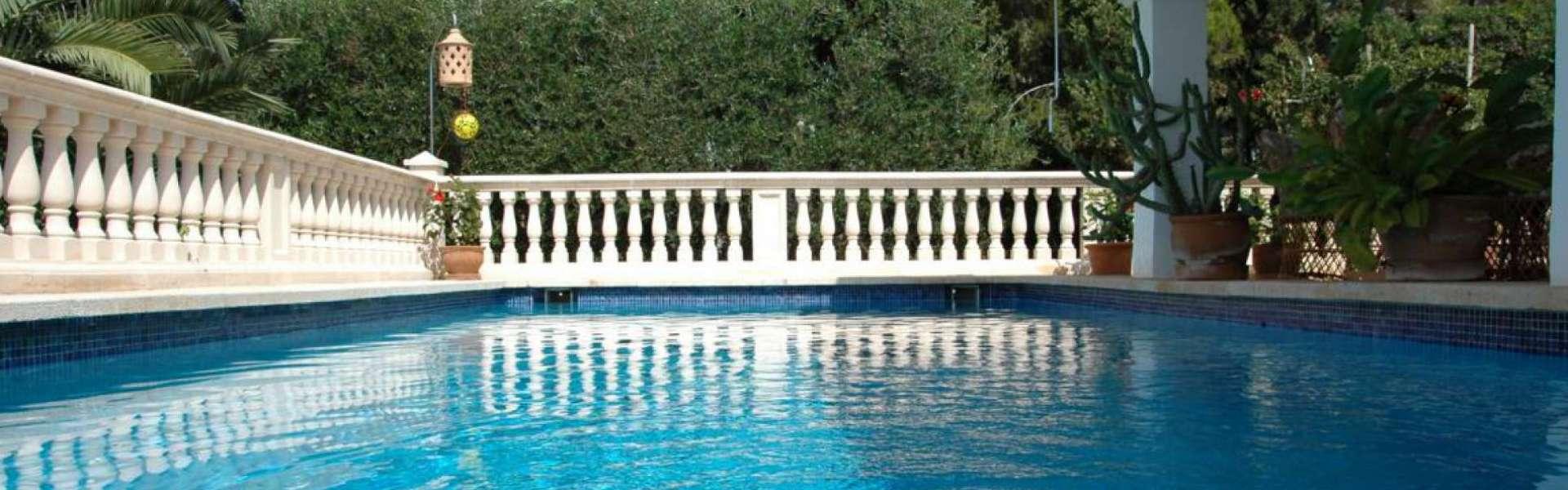 Porto Petro - Klassische Villa mit Meerblick