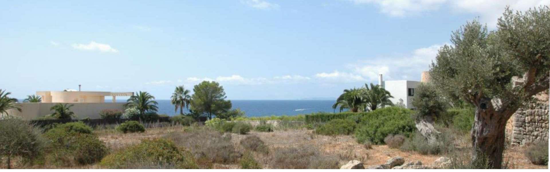 Meerblick-Grundstück in Top-Lage von Cala Santanyi