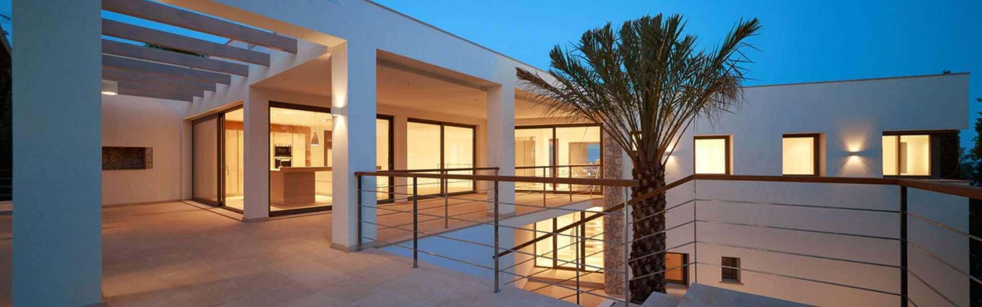 Moderne Neubauvilla mit sehr guter Meersicht in Costa d'en Blanes