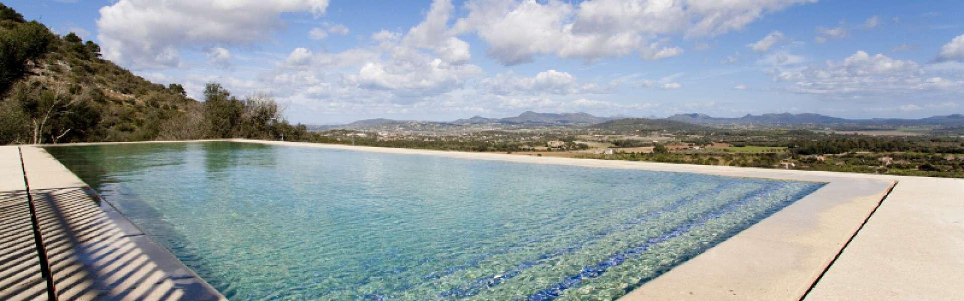 Finca mit Panoramablick in Son Macia