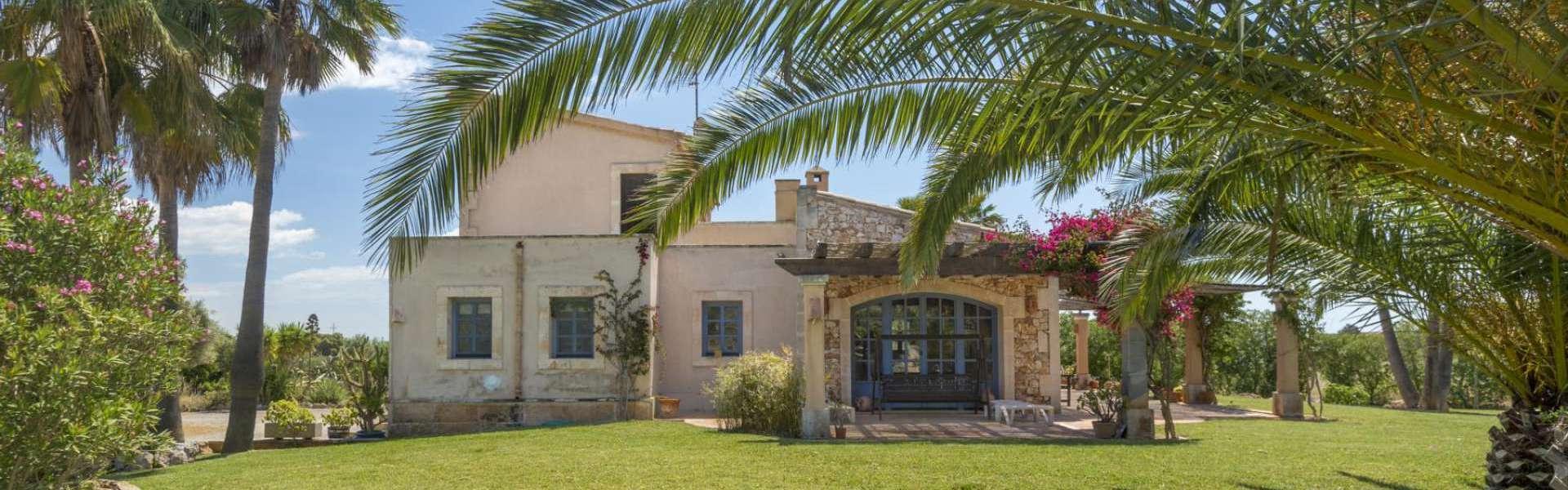 Ses Salines - Finca mit schönem Garten nahe Es Trenc Strand