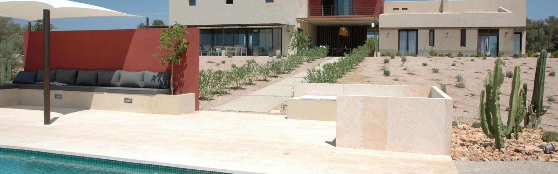Moderne Finca mit Blick auf Ses Salines