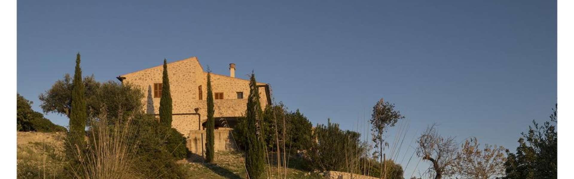 Sehr geschmackvolle Finca mit Panoramablick - San Llorenc