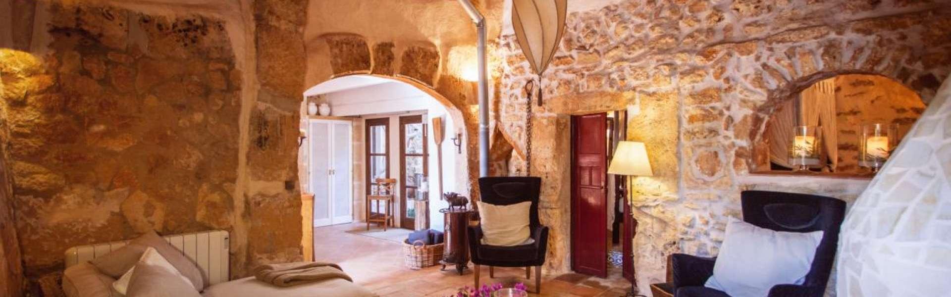 Renoviertes Dorfhaus in Es Llombards zum Verkauf