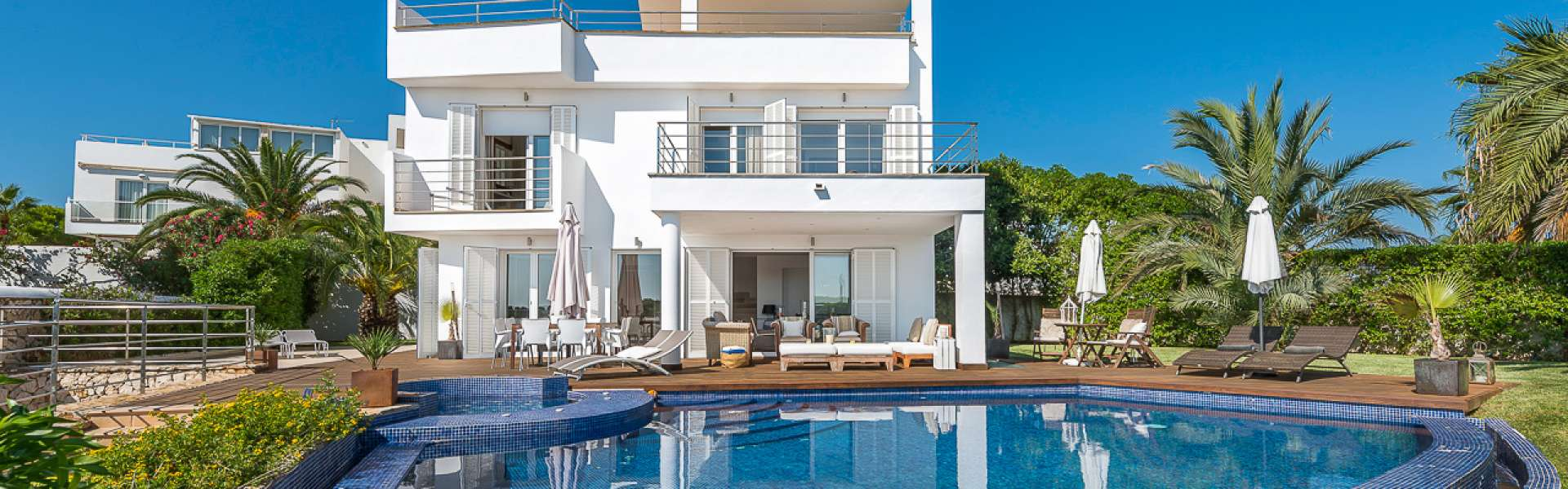 Villa mit schönem Blick in die Marina - Cala d'Or