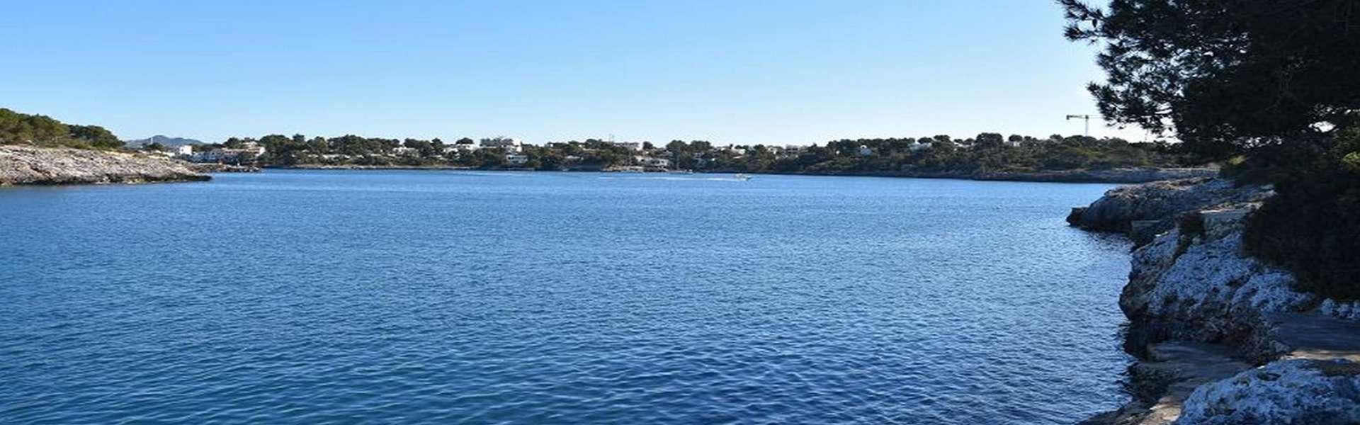 Porto Petro - Reihenmittelhaus in erster Meeresline
