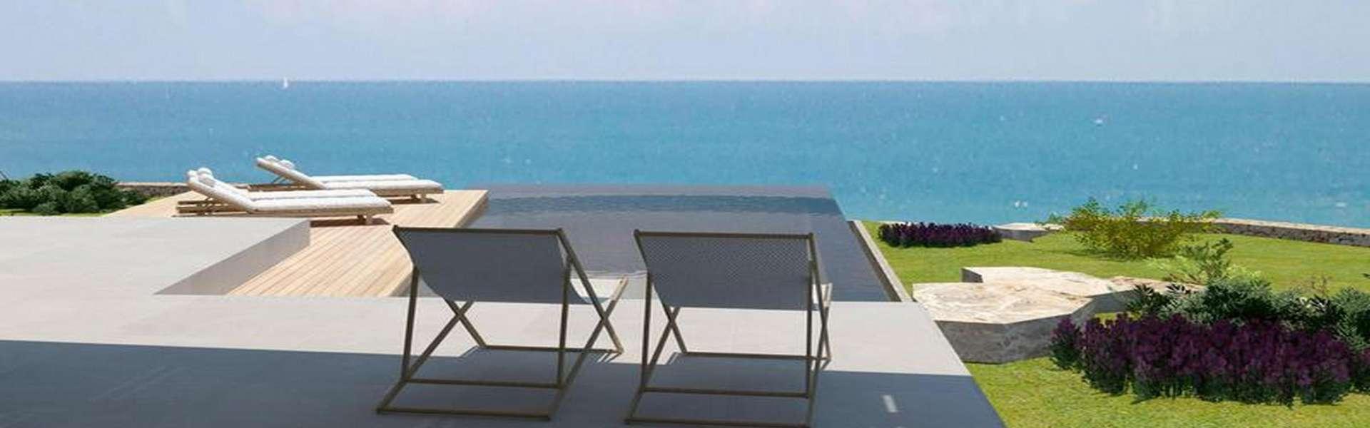 Cala d'Or - Grundstück mit Baugenehmigung in erster Meereslinie