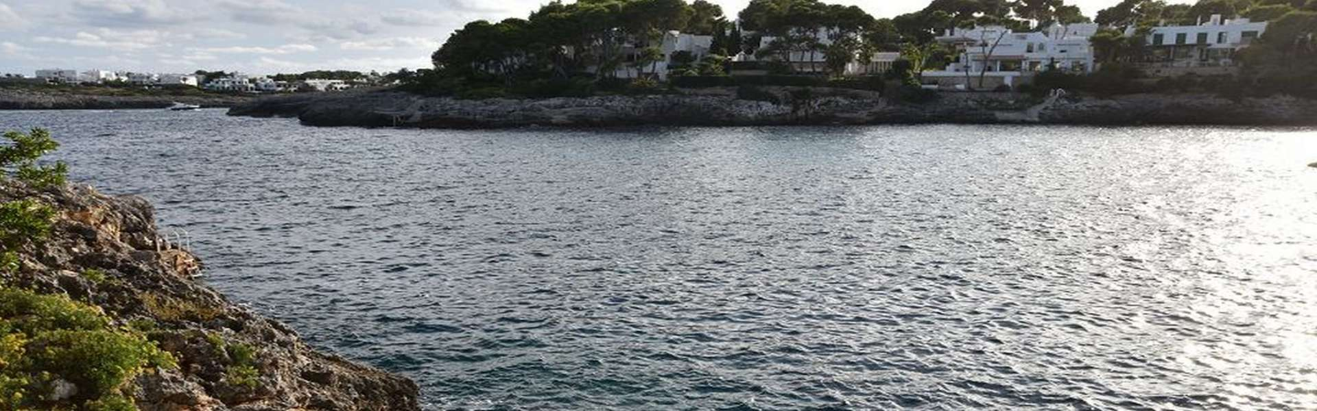 Schöne Villa in erster Meereslinie in Cala d'Or