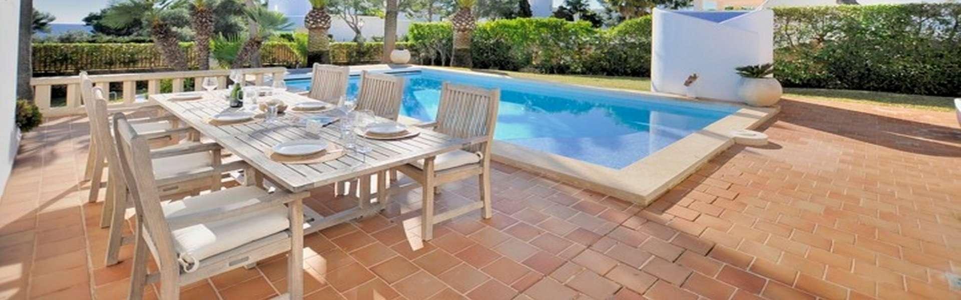 Schöne Villa mit Meerblick in Porto Petro zum Verkauf