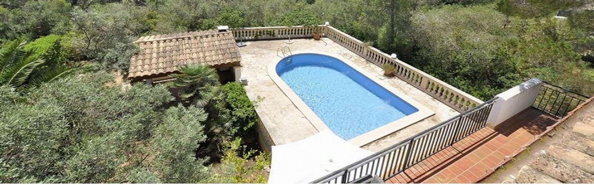 Villa in schöner, ruhiger Lage, im Herzen von Porto Petro