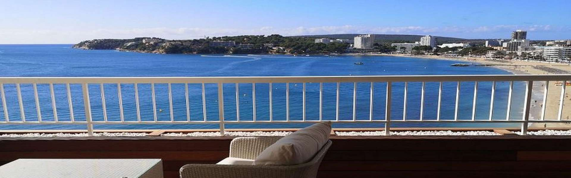 Calvia/Torrenova - Renoviertes Apartment direkt am Meer